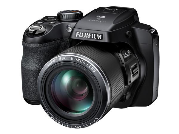 Fujifilm-S8400-1