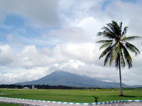 Objek-wisata-Gunung-Ranai-Riau