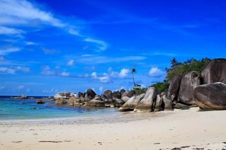 Objek-wisata-Pantai-Matras-Bangka-Belitung